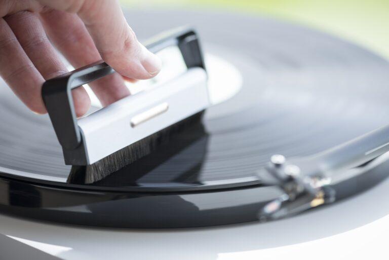 Co je potřeba vědět před nákupem gramofonu?, Denon Store